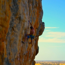 Mr.Honnold sticks the bird bath on Punks In The Gym (The Pharos, Arapiles – Australia)
