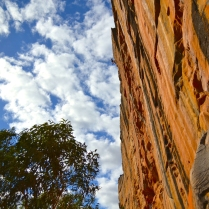 Ollie getting some air time on Serpentine (Taipan Wall, Grampians – Australia)